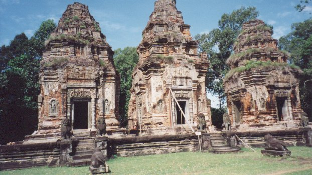 This monument is also known as 'The Temple of the Bull' because of the statues of bulls which can be seen facing the six towers. The layout of the towers is slightly different to towers in other parts of Angkor, in that they are not positioned symmetrically.